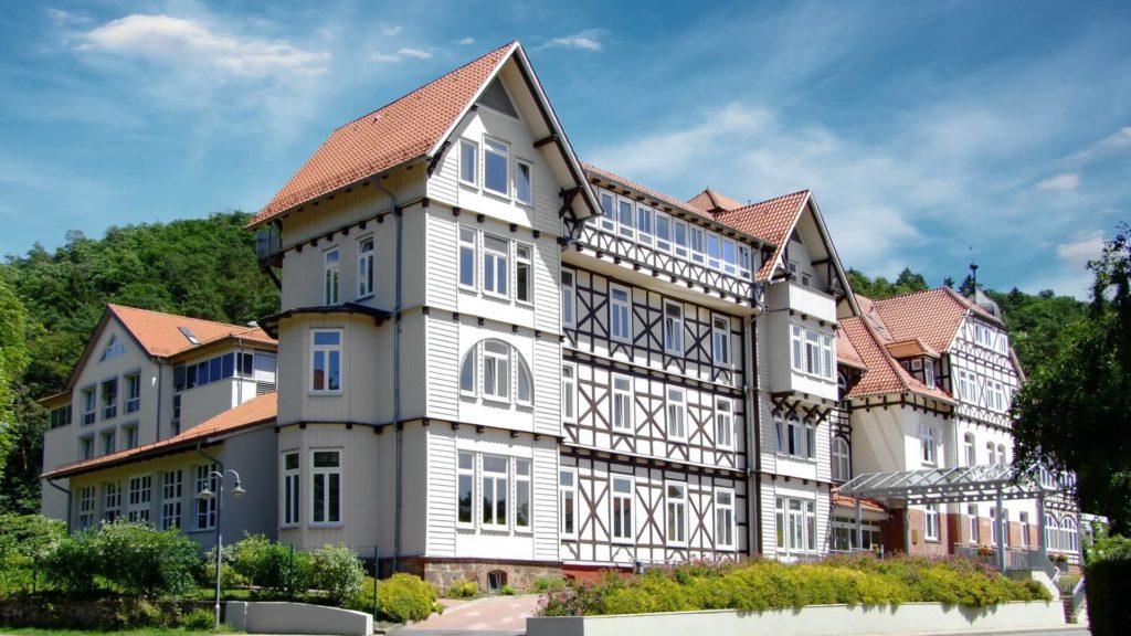 Hauptgebäude der Lungenklinik Neustadt